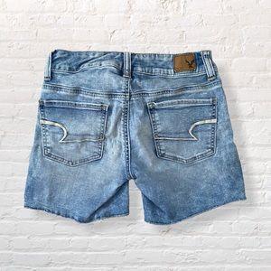 American Eagle Distressed Jean Shorts Midi 00